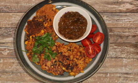 Healthy corn and sweet chilli fritters